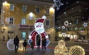 Ortona, luci di Natale per illuminare il buio della crisi