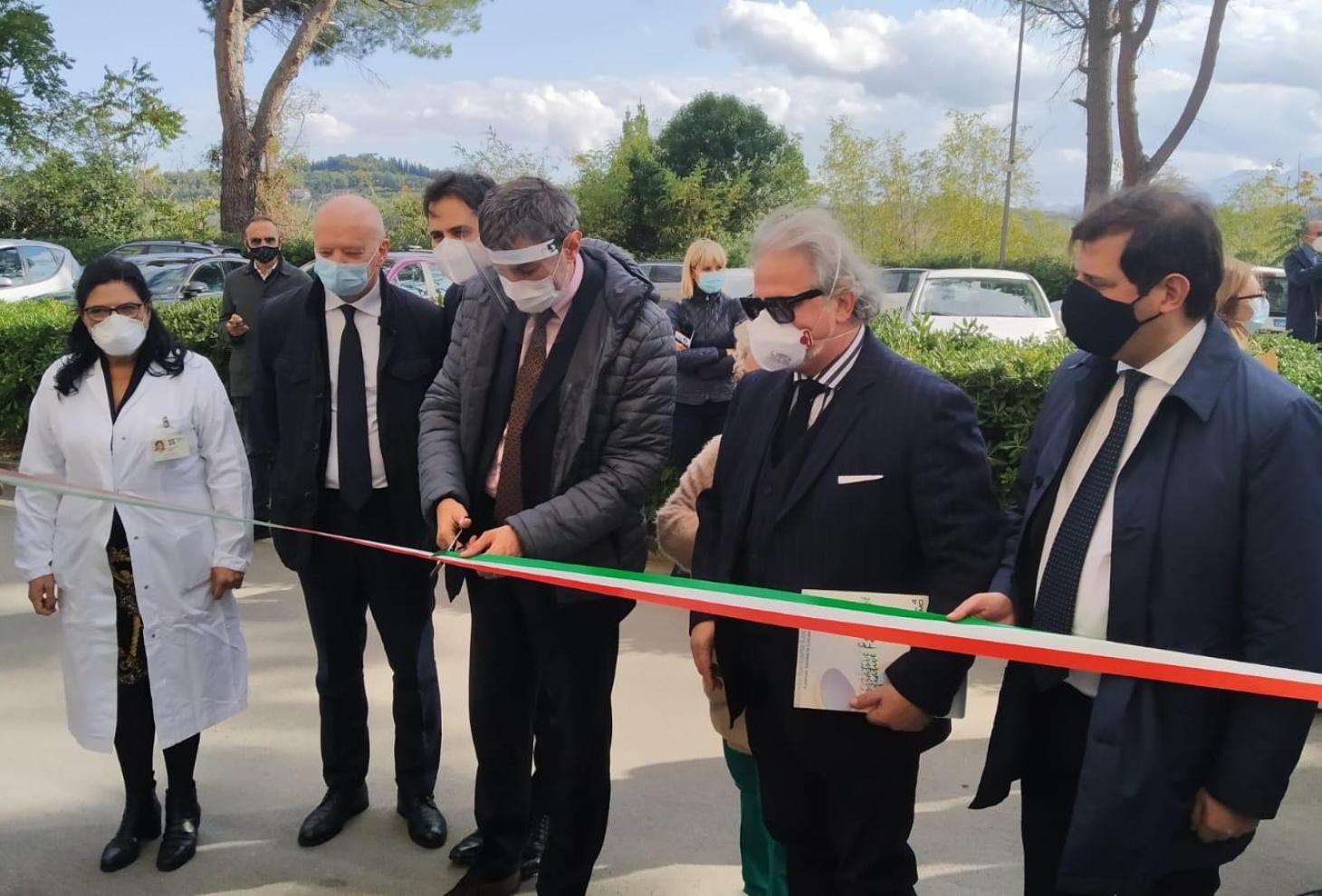 Covid-19: Marsilio, inaugurata la TAC mobile ospedale di Teramo